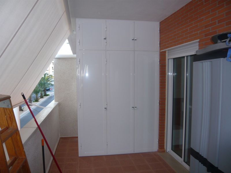 Armarios exteriores carpinteria de aluminio instalum d m for Muebles exterior aluminio blanco