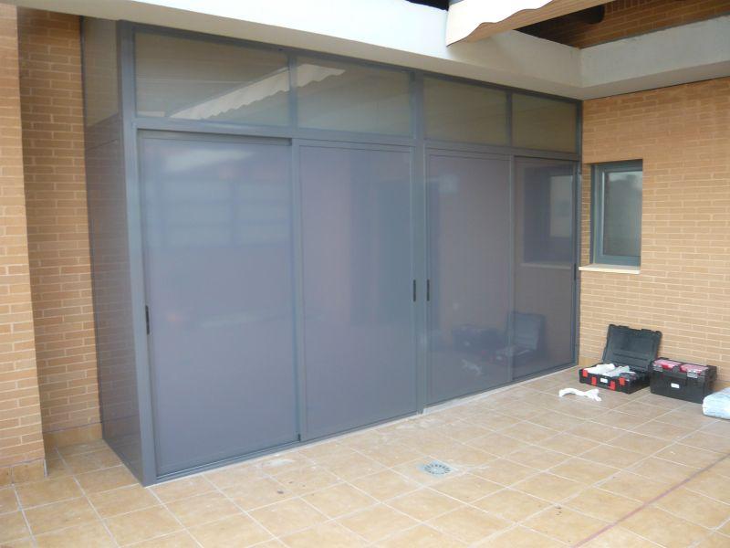 Armarios exteriores carpinteria de aluminio instalum d m for Armarios para terrazas