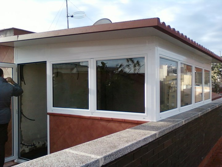 Cerramientos terrazas carpinteria de aluminio instalum d m for Cerramientos aluminio precios