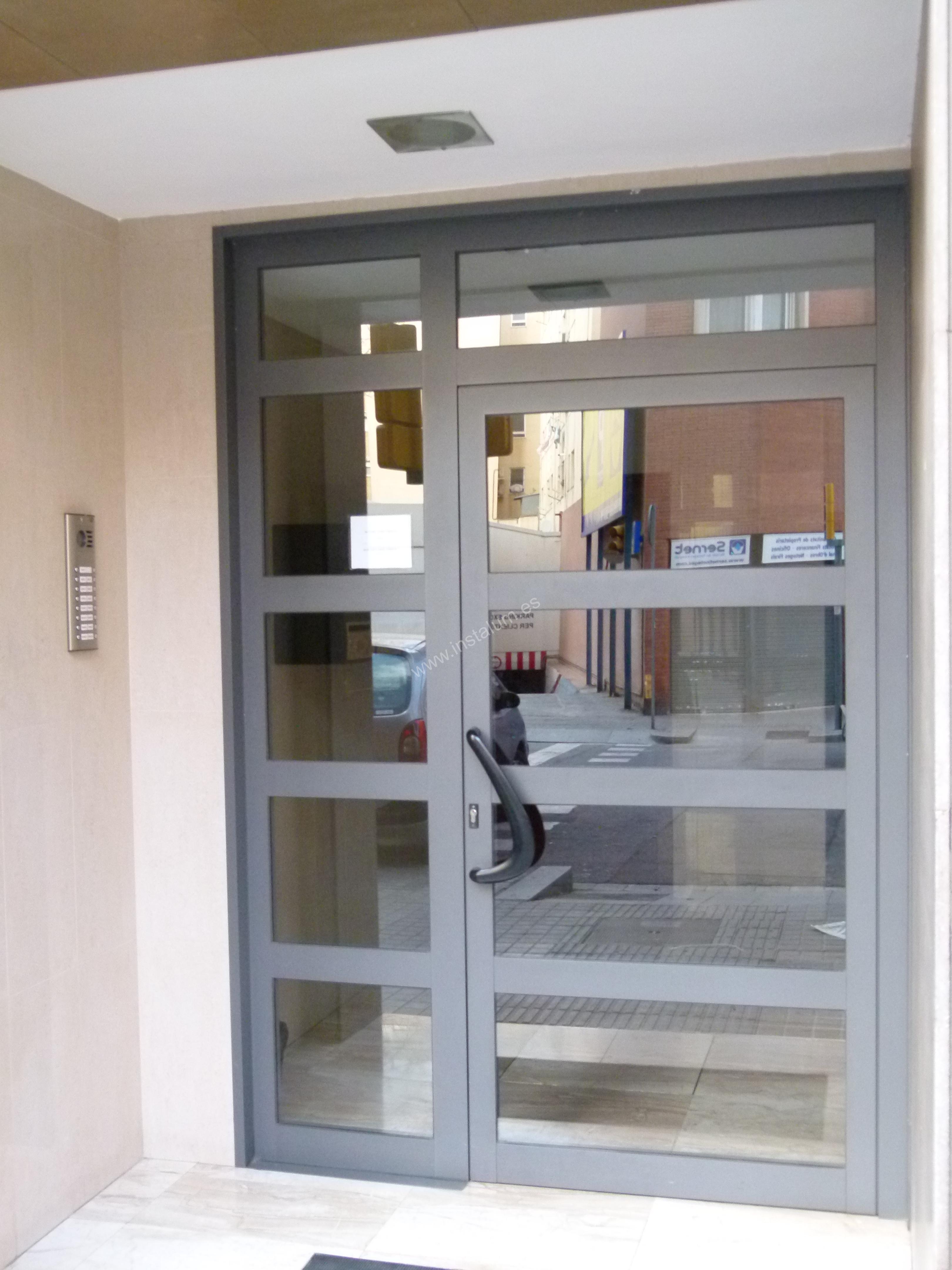 Puertas comunidad aluminio hierro y vidrio - Puerta de aluminio y vidrio ...